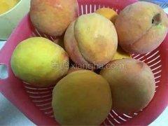 黄桃罐头怎么做好吃,怎么做黄桃罐头