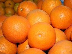 如何快速徒手剥橙子皮,切橙子的巧妙方法
